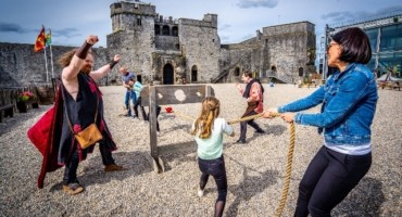 Guided Tour of the Castle Courtyard & Undercroft