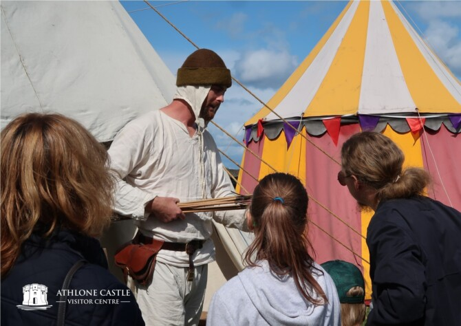 Bow-Making during the 100 Years War by Living Longbows